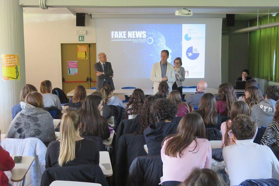 """Progetto """"Anti Fake News"""": incontri formativi con studenti degli istituti superiori di Firenze"""